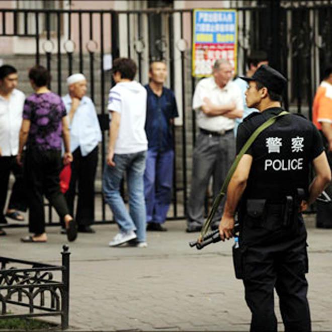 Çində pasient yemək çubuqları ilə üç nəfəri öldürüb