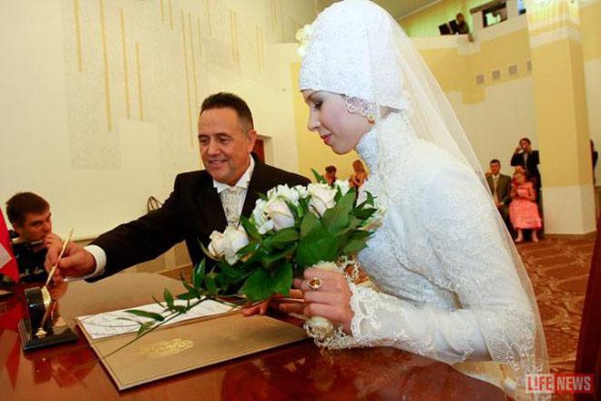 фото рената ибрагимова с женой