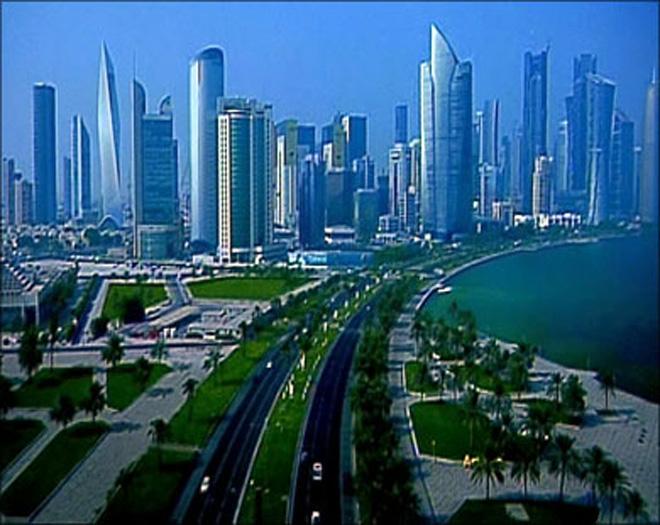 Руководитель МИД Омана прибыл снеобъявленным визитом вКатар