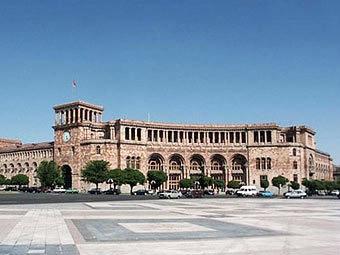 Ermənistanda seçkilər: 1700 qanun pozuntusu qeydə alınıb