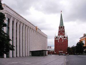 Россия борется с ИГ днем и ночью - Кремль