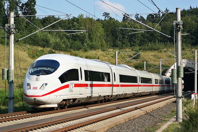 ВУзбекистане сейчас курсируют 4 высокоскоростных поезда Afrosiyob