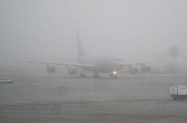 Güclü duman Bakı hava limanının işinə təsirsiz ötüşüb