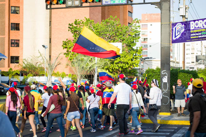 Venesuelada etiraz aksiyası: 223 nəfər xəsarət alıb