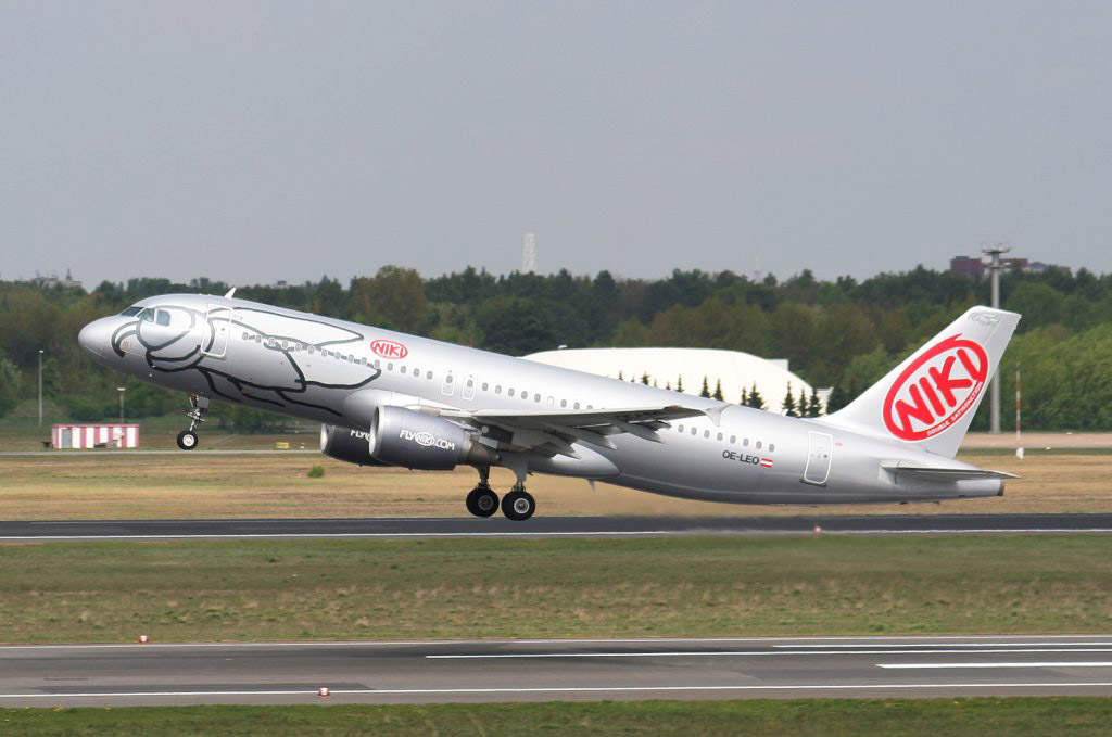 ВГермании пассажиров Boeing эвакуировали из-за подозрительного разговора