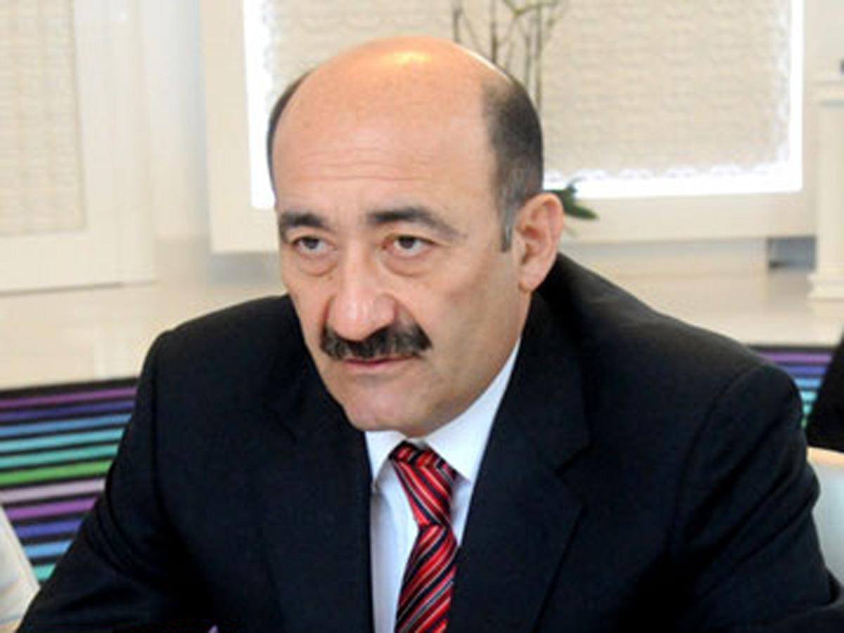 Əbülfəs Qarayev turizm bazarındakı qiymətlərdən danışdı