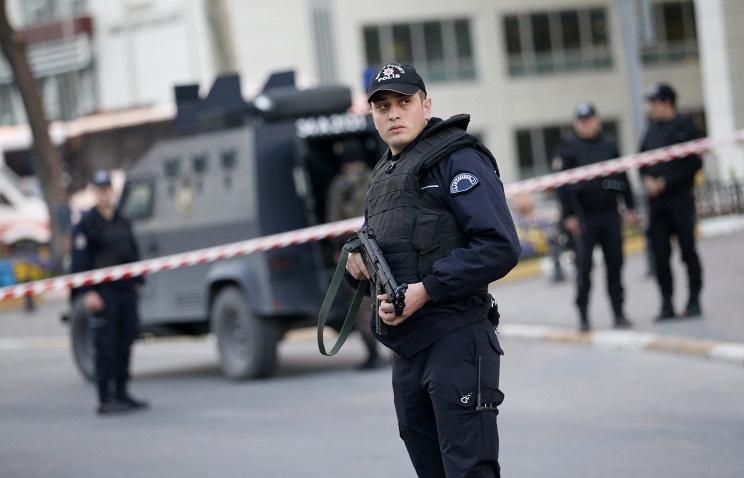 İstanbulda YENƏ ƏMƏLİYYAT - Qadınlar da saxlanıldı