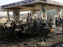 عکس: 'دست کم دوازده مسافر مینیبوس حامل خارجیان' در حمله انتحاری کابل کشته شدند / افغانستان