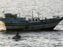 عکس: توقیف 7 فروند کشتی صیادی ترال با 24 خدمه خارجی در منطقه جاسک ایران   / سیاست