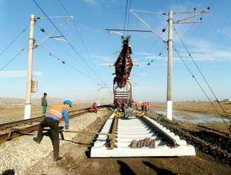 عکس: پروتکل توسعه مسیر ریلی جنوب-غرب به امضای ایران و ۴ کشور رسید / اخبار تجاری و اقتصادی