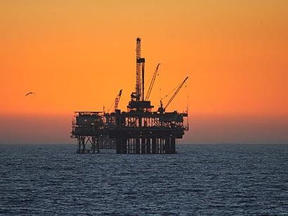عکس: ترکمنستان تولید صنعتی گاز در دریای خزر را آغاز کرد / انرژی