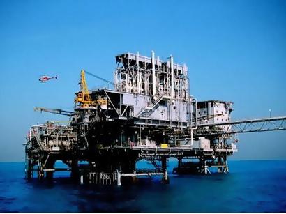 عکس: نفت ایران ارزان شد؛ چین نفتکشهای ایران را بیمه میکند / ایران
