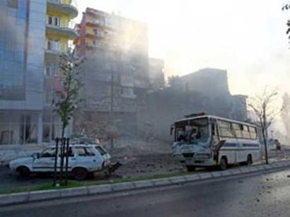 عکس: انفجار مینی بوس در جنوب شرقی ترکیه، 12 نفر کشته شدند / ترکیه