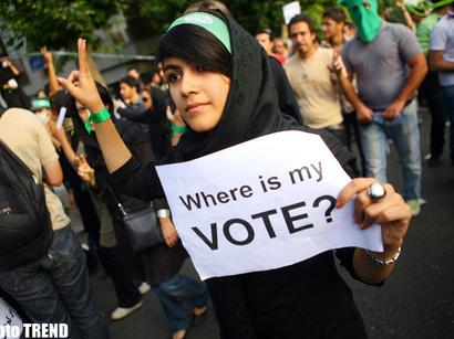 صور: وزير العدل الايراني:تم رفع الدعوى القضائية بحق بنت رفسنجاني / مجتمع