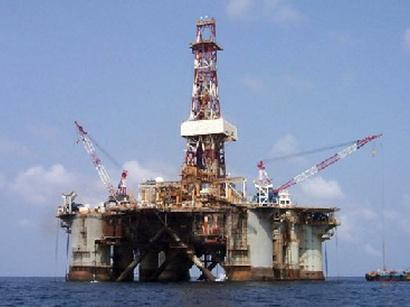 """صور: 122.24 دولار سعر برميل البترول الأذربيجاني من نوع """"أذري لايت"""" / أخبار الاعمال و الاقتصاد"""