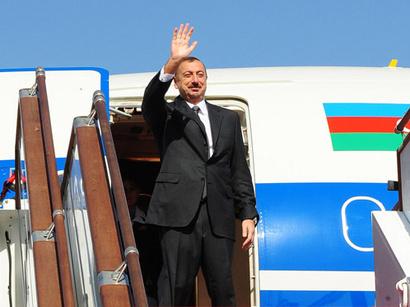 عکس: رئیس جمهور آذربایجان به ترکیه سفر کرد / سیاست