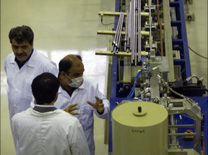 عکس: کارشناسان: ارسال بخشی از اورانیوم به خارج ضمانتی بر عدم تولید سلاح هسته ای تهران نیست / برنامه هسته ای