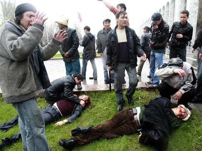 عکس: 114 نفر در ناآرامی های جنوب قرقیزستان کشته شدند / قرقیزستان