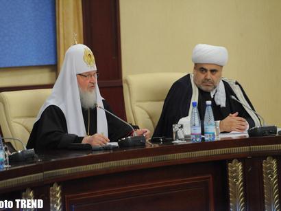 صور: باكو تستضيف إجتماع الزعماء الدينيين الأذربيجاني و الأرمني و الروسي / مجتمع