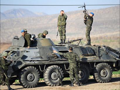 صور: تركيا تنشر مركبات مدرعة على الحدود مع سوريا / سياسة