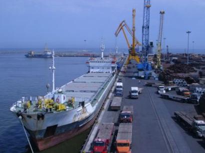 عکس: مقام رسمی:  شرکتهای داخلی نیز صادرات ایران  را تحریم کردهاند / ایران