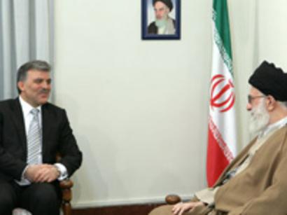 صور: قائد الثورة الاسلامية : امريكا بصدد مصادرة ثورة الشعب المصري / سياسة