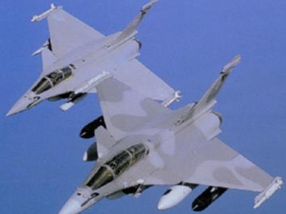 """عکس: نیروهای هوایی اسرائیل به مقر نظامیان """"حماس"""" در غزه حمله کردند / فلسطین"""