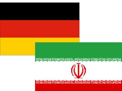 عکس: بازداشت دو ایرانی متهم به قاچاق ۶۱ موتور هواپیمای بیخلبان از آلمان / ایران