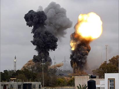 صور: غارات للناتو تستهدف القذافي / أحداث
