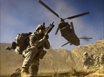 صور: مقتل أمريكيين و3 أفغان في تبادل لاطلاق النار بين الناتو والجيش الأفغاني / أحداث