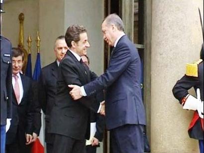 صور: تركيا تحذر فرنسا من قانون عن الأرمن  / سياسة