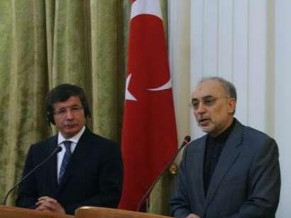 صور: وزير الخارجية الإيراني يلتقي الرئيس التركي في أنقرة / سياسة