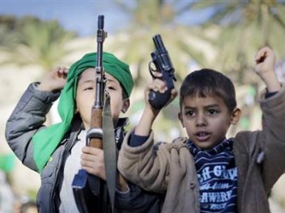 صور: نشطاء يطالبون بقانون يجرّم تجنيد الأطفال باليمن / مجتمع