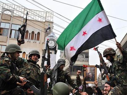 صور: الجيش الحر يستعرض غنائمه العسكرية  / أحداث