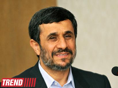 عکس: محمود احمدی نژاد میگوید قصد تاسیس یک دانشگاه بین المللی را دارد / برنامه هسته ای