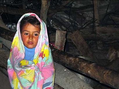 عکس: گزارش تصویری از سرما در مناطق زلزله زده اهر و ورزقان / تصویری