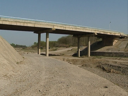 Automobile bridge at Turkmen-Iran border nearly ready