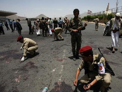 صور: رويترز: مقتل عشرين شخصا في هجوم على قاعدة عسكرية جنوب اليمن  / أحداث