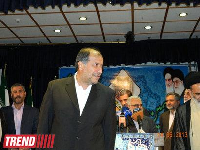 عکس: وزیر کشور ایران در گفتگو با ترند: برخی تخلفات جزئی گزارش شده است؛ مشکل خاصی نیست (تکمیلی) / ایران