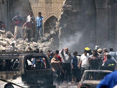صور: عاجل مراسل الجزيرة: 16 قتيلا و33 جريحا بتفجير استهدف مسجدا وسط بغداد  / أحداث