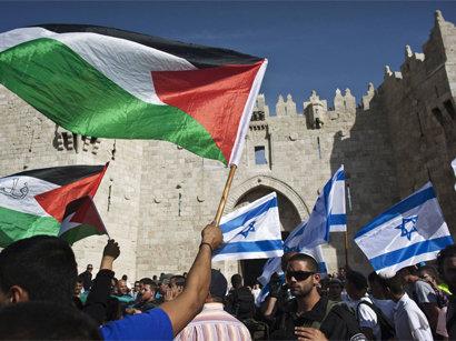 صور: إصابات بالاختناق خلال تفريق إسرائيل لمسيرة داعمة للقدس قرب رام الله / العلاقات الاسرائيلية العربية