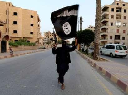 صور: داعش يحاصر 700 عائلة إيزيدية في جبل سنجار / أحداث