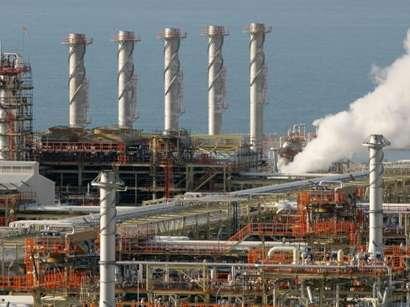 عکس: فرآوری روزانه گاز در پالایشگاه فاز 12 به 78 میلیون متر مکعب رسید / ایران
