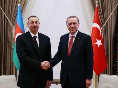 صور: الرئيس إلهام علييف يلتقي نظيره التركي رجب طيب أردوغان  / سياسة
