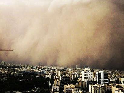 عکس: طوفان در نایین اصفهان؛ آمادهباش کامل اورژانس / حوادث