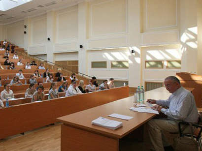Türkiye'nin yükseköğretim fırsatları Azerbaycan'da ele alındı