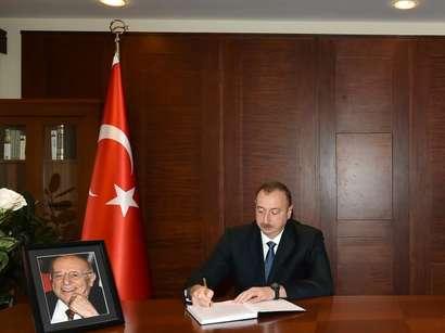 صور: الرئيس إلهام علييف يزور سفارة تركيا لتقديم تعازيه في وفاة الرئيس التركي التاسع سليمان ديميريل  / سياسة