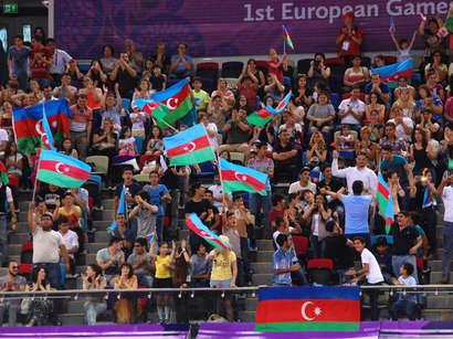 عکس: فروش 40 هزار بلیت بازیهای اروپایی برای روز دوشنبه / آذربایجان