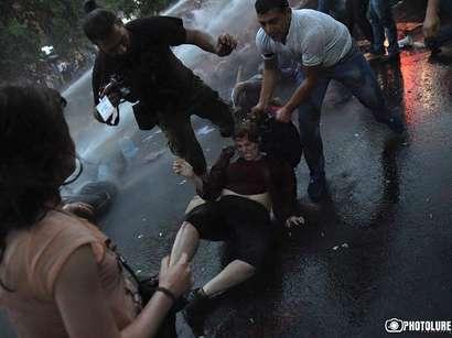 صور: اعتقال نحو 240 شخصا فى أرمينيا بعد احتجاجات على زيادة أسعار الكهرباء  / أحداث