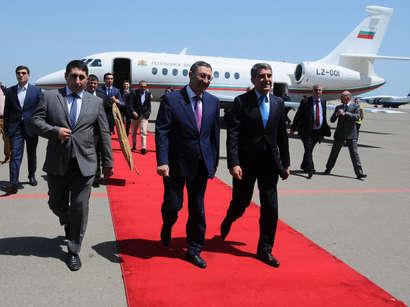 صور:  الرئيس البلغاري يصل في زيارة إلى أذربيجان  / مجتمع
